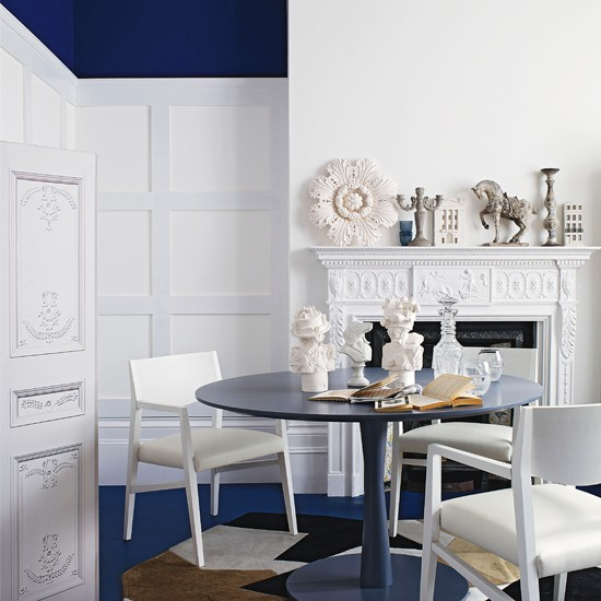 Royal-Blue-and-White-Dining-Room-Livingetc-Housetohome.jpg