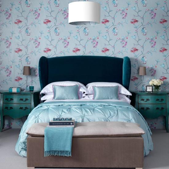 Sophisticated-modern-bedroom-IH.jpg
