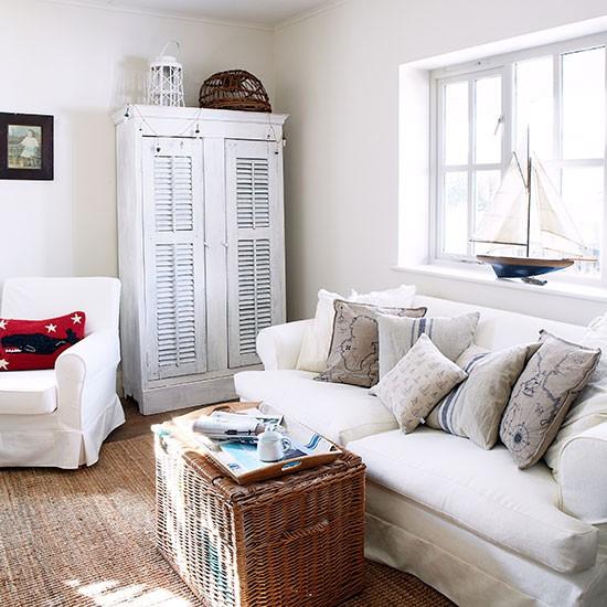 White-Coastal-Living-Room-Country-Homes-and-Interiors-Housetohome.jpg
