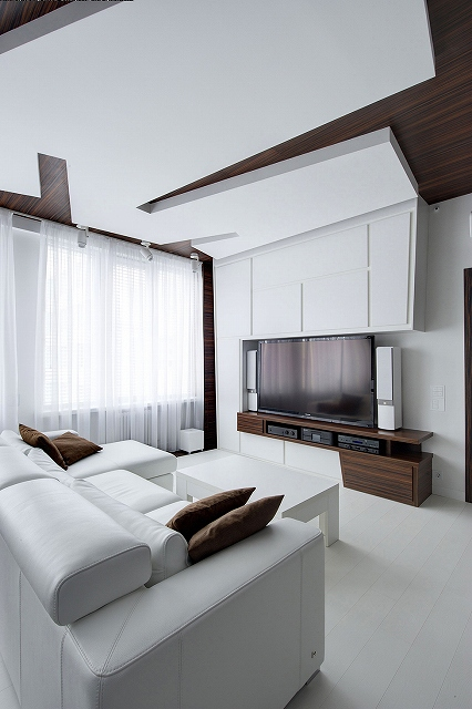 White-furniture.jpg