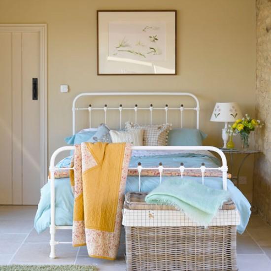 bedroom-951340.jpg