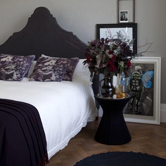 gothic-bedroom.jpg