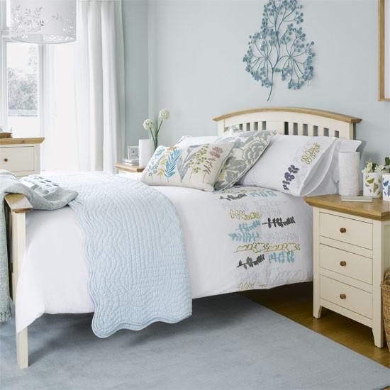 pastel-blue-bedroom.jpg