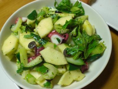 タコ・リンゴ・セロリのサラダ