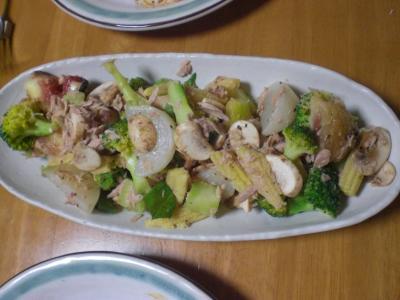 カブ・イチジク・ツナのサラダ