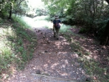 低山トレッキングの1コマ