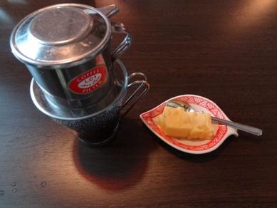 ベトナムコーヒーとデザート