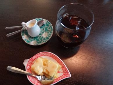 アイスコーヒーとデザート