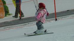 八千穂高原スキー場で半日で幼稚園生スキー上達