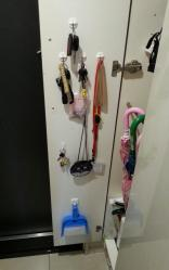 【こだわり収納術】 玄関靴箱の扉裏収納(鍵やちりとりの置場)