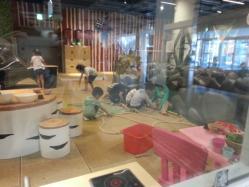 【子供と遊ぶ】 【子供と遊ぶ無料スポット】IKEA(イケア)のスモーランド利用の極意♪!並ばなくても平気♪
