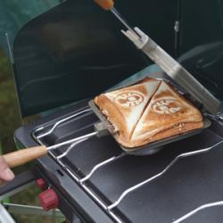 【必見キャンプ生活】 キャンプ朝食:ホットサンドの魅力♪ホットサンドクッカーは必須アイテム!