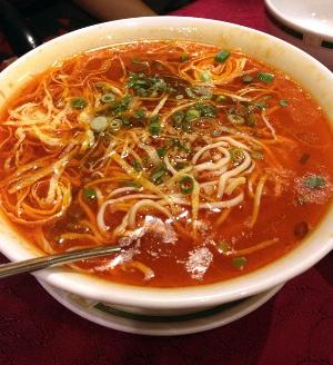 SHANGHAI 担担麺