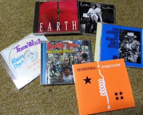 2014_08 26_今回村の家で聴いてたCD・6枚
