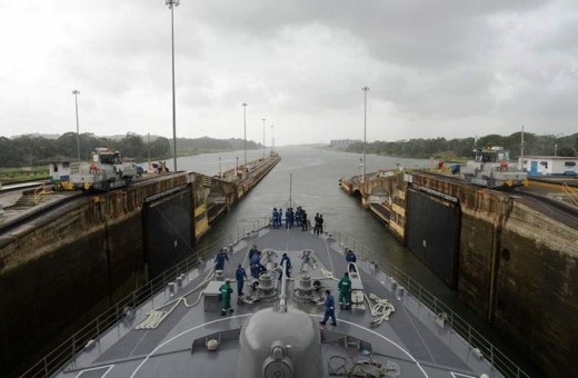6月30日 パナマ運河通峡