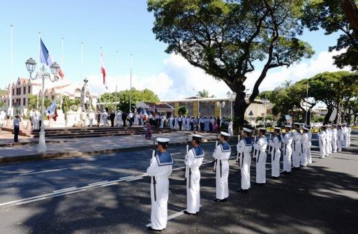 8月24日 パペーテ戦争記念碑に献花