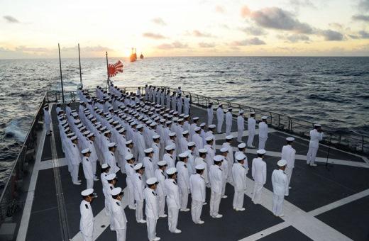 9月20日 ホニアラ出港後、ソロモン海海戦で散華された英霊を慰霊するため洋上慰霊祭01