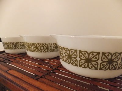 Old Pyrex キャセロールセット スクエアフラワー1