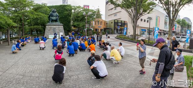130707甲府駅前街頭清掃活動−12