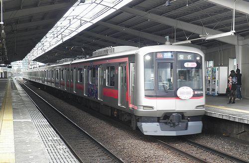 東急5874F(東急東横線祐天寺駅・2013年4月4日)