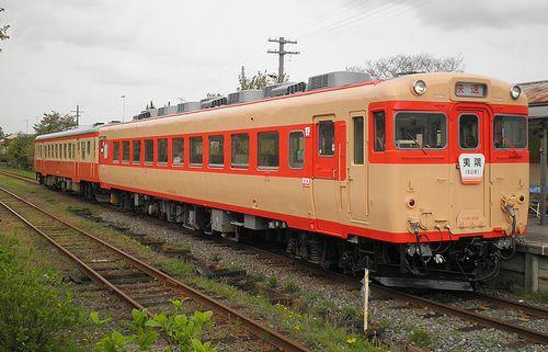 いすみ鉄道・キハ28 2346+キハ52 125(2013年4月6日・国吉駅)2
