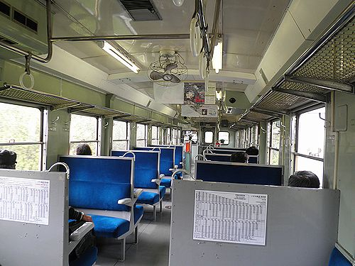 いすみ鉄道・キハ52 125車内(2013年4月6日)