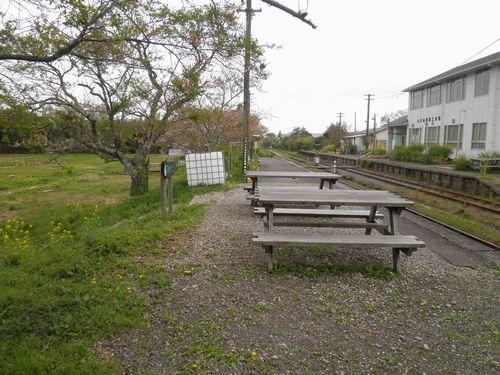 いすみ鉄道国吉駅構内(2013年4月6日)1