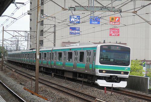 東マトE231系103編成(2013年4月19日・亀有駅)