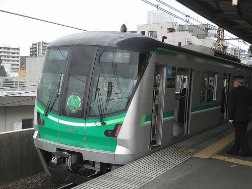 東京メトロ16000系・16103F(2013年4月19日・亀有駅)2