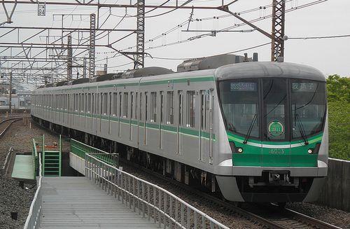 東京メトロ16000系・16103F(2013年4月19日・亀有駅)1
