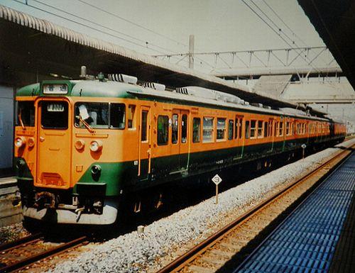 クハ111-630他4連(静シス・T8編成)(2004年8月14日・国府津駅)
