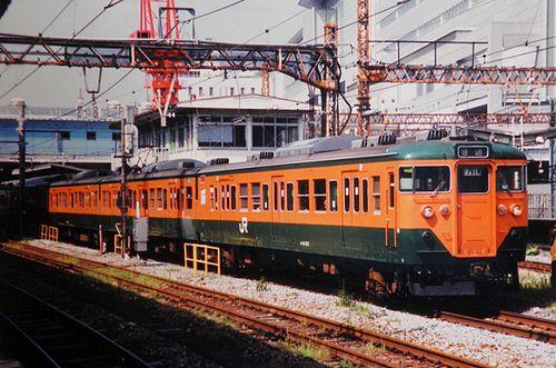 横コツ113系K60編成(クハ111-537他)(2004年7月・品川駅)
