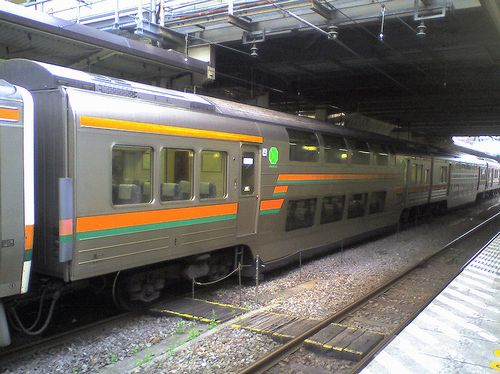 サロ212-1119(高タカ、元・サロ124-19)(2010年5月29日・高崎駅)