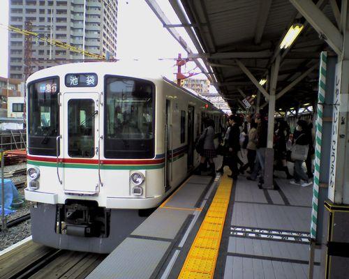 西武4000系(2008年4月12日・石神井公園駅)