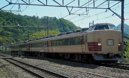 宮オオ183系H61編成(9473M「ホリデー快速河口湖3号」)(2013年5月3日・鳥沢駅)