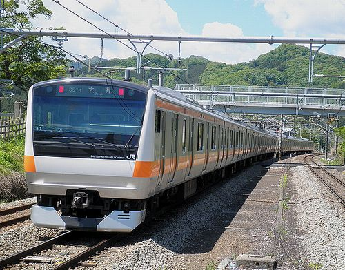 八トタE233系T1編成(2013年5月3日・鳥沢駅)