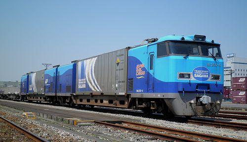 M250系(東京貨物ターミナル駅・2013年5月5日)