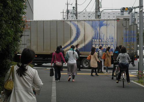 U45A形コンテナ(佐川急便)輸送中(2013年4月17日・東京都江東区新砂)