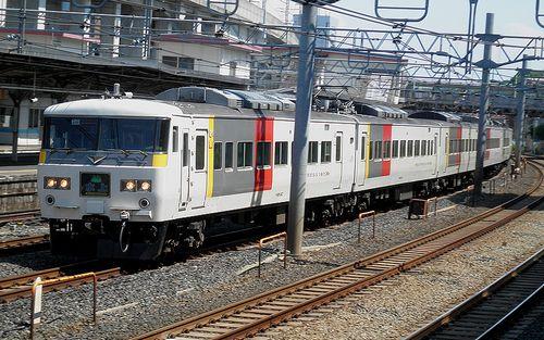宮オオ185系OM 02編成・特急「水上91号」(2013年5月4日・東十条駅)1