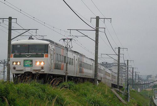 宮オオ185系B5編成・特急「はまかいじ号」(横浜線中山~十日市場間・2013年5月11日)