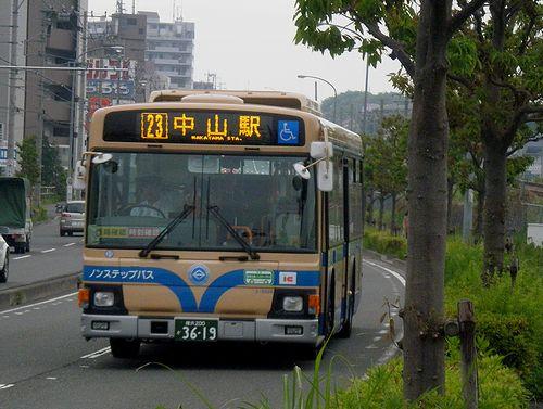 横浜市営バス23系統(横浜市緑区台村町付近・2011年5月11日)