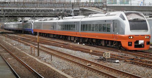 水カツE653系K353+K308編成(2013年6月7日・馬橋駅)