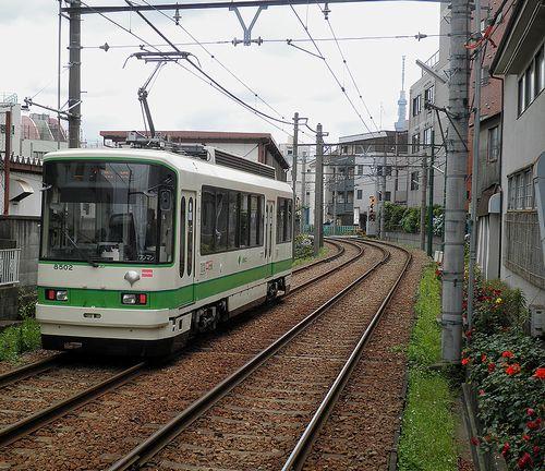 東京都交通局・都電荒川線8502(2013年6月7日・荒川区役所前)