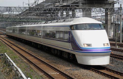 東武100系・107編成「スペーシアきぬがわ2号」(東十条駅、2013年6月23日)