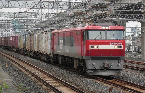 EH500-81[仙]牽引・高速貨3086列車(東十条駅、2013年6月28日)