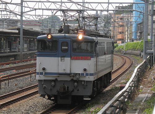 EF65 2138[新](東十条駅、2013年6月28日)