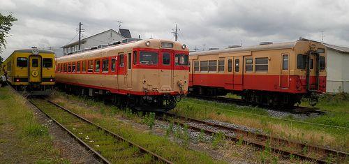いすみ鉄道・いすみ351(左)、キハ28 2346(中)、キハ30 62(右)(2013年6月30日・国吉駅)