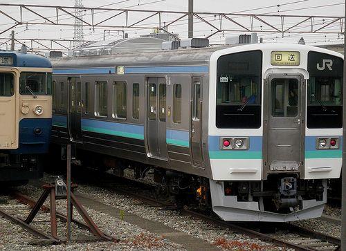 長ナノ211系N333編成(2013年7月22日・豊田車両センター)2