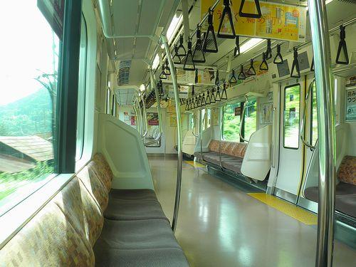 八トタE233系「T21」編成・快速「富士山リレー7号」車内(2013年7月21日)