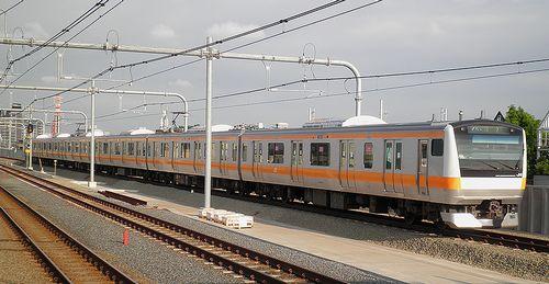 八トタE233系「青661」編成(2013年7月20日・国立駅)
